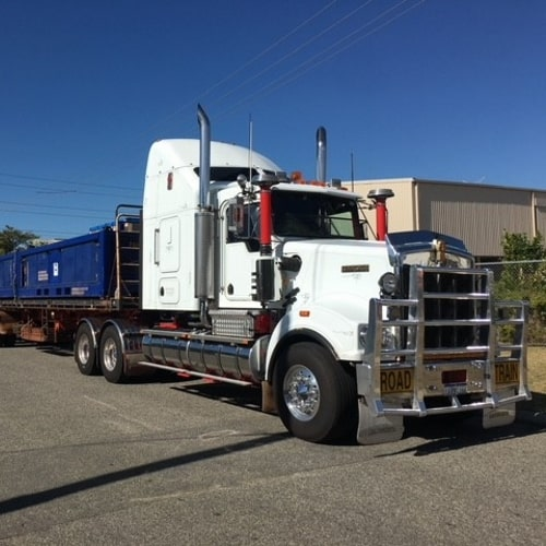 Dananni Hotshots: Interstate transport truck